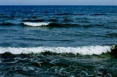 Onde di una spuma del Mar Nero Fotografie Stock