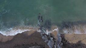 Onde muoventesi sulla costa di Gower archivi video