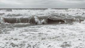 Onde nel Mar Baltico immagini stock