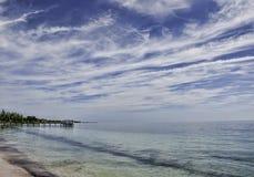 Onde o céu encontra o mar Fotos de Stock Royalty Free