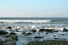 Onde su Oceano Atlantico Fotografia Stock Libera da Diritti