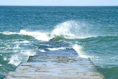 Onde sur la plage de mer Images stock