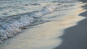Onde sur le sable Image stock