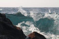 Onde sur Playa Bollulo Photos libres de droits