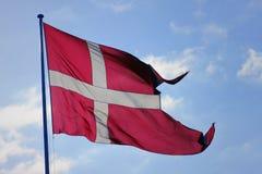 Ondeggiamento danese della bandiera Immagine Stock