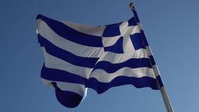 Ondeggiamento greco della bandiera video d archivio
