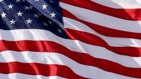 Ondeggiamento lento della bandiera americana archivi video