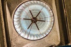 Onder dakmening van luchtventilator op het dak van fabriek in abst Royalty-vrije Stock Foto's
