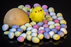 Onder de eieren stock fotografie