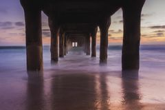 Onder de Pijler van het Strand van Manhattan royalty-vrije stock afbeeldingen