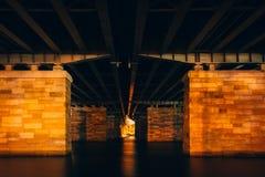 Onder een brug bij nacht, in Washington, gelijkstroom Royalty-vrije Stock Foto