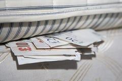 Onder het bed. Stock Foto