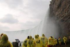 Onder Niagara Falls royalty-vrije stock afbeeldingen