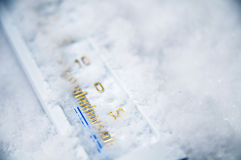 Onder nul op thermometer Royalty-vrije Stock Afbeelding