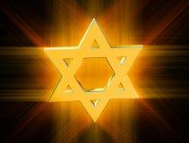 Onder stralen van gouden Jodenster Royalty-vrije Stock Afbeeldingen