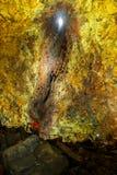 Onderaan binnen een vulkaan royalty-vrije stock fotografie