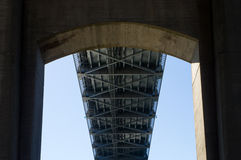 Onderaan Sagamore Bridge Stock Fotografie