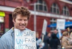 Ondergeschikte arts die in Londen tegen de nieuwe contracten protesteren Royalty-vrije Stock Foto