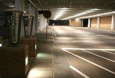 Ondergronds parkeerterrein Stock Afbeeldingen
