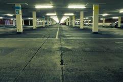 Ondergronds parkeerterrein stock foto