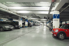 Ondergronds parkeren Royalty-vrije Stock Afbeeldingen