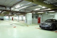 Ondergrondse garage Royalty-vrije Stock Afbeeldingen