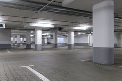 Ondergrondse garage Stock Afbeelding