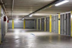 Ondergrondse parkerengarage Royalty-vrije Stock Foto