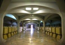 Ondergrondse sarcofaagruimte Stock Afbeeldingen