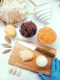 Onderhanden werk - Russische borscht stock afbeeldingen