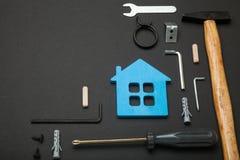 Onderhoud binnenshuis, huisreparatie Toolset vernieuwingsachtergrond Exemplaarruimte voor tekst stock afbeelding