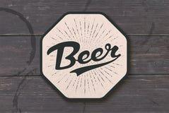 Onderlegger voor glazen voor bier met hand getrokken van letters voorziend Bier vector illustratie