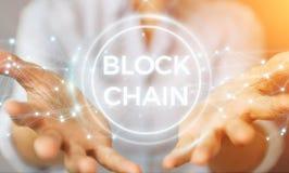 Onderneemster die blockchain 3D rende van de cryptocurrencyinterface gebruiken Stock Foto's
