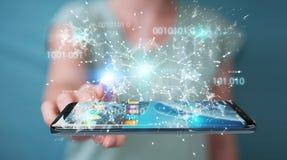 Onderneemster die digitale binaire code inzake mobiele telefoon 3D rende gebruiken Stock Foto