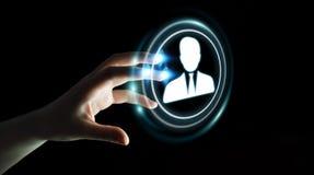 Onderneemster die het digitale sociale netwerk 3D teruggeven gebruiken Stock Afbeeldingen