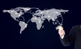 Onderneemster die met digitaal netwerklijn en cirkels richten Stock Afbeelding