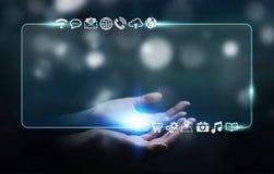 Onderneemster die op Internet met digitale tastbare interface surfen Stock Afbeeldingen