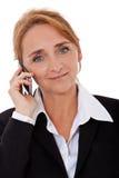 Onderneemster die slimme telefoon met behulp van Stock Foto
