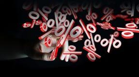 Onderneemster die witte en rode verkoop gebruiken die pictogrammen 3D renderin vliegen Royalty-vrije Stock Afbeelding