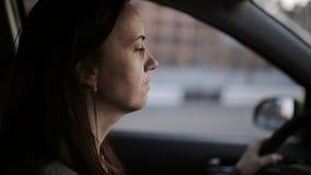 Onderneemster Driving Car stock video