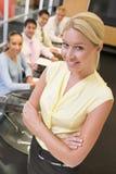 Onderneemster met businesspeople vier Stock Foto's
