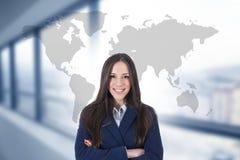 Onderneemster met de internationale kaart royalty-vrije stock afbeelding
