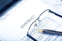 onderteken een contract Stock Fotografie