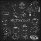 Ondertekenen de hand getrokken vectorillustratiereeks van motivatie en de zaken en de elementen van symboolkrabbels, zwart bord Royalty-vrije Stock Afbeelding