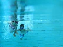 Onderwater pret Stock Afbeelding