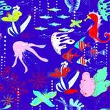 Onderwaterwereld met vissen, kwallen, zeepaardjes, overzeese sterren, koralen, waterwegen vector illustratie