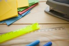 Onderwijs en creativiteitconcept stock afbeeldingen