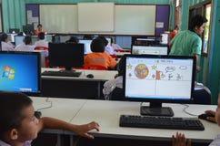 Onderwijs in het Klaslokaal Royalty-vrije Stock Foto's