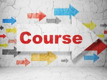 Onderwijsconcept: pijl met Cursus op de achtergrond van de grungemuur Royalty-vrije Stock Foto