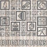 Onderwijspictogrammen op hout Royalty-vrije Stock Afbeelding